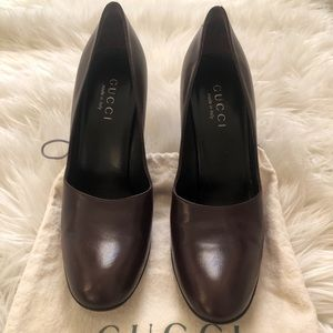 Authentic GUCCI Brown Leather Pumps with Dustbag